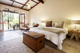 Overberg Accommodation - HCR - Deluxe Family Suite