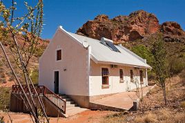 Holiday Apartments - Red Rock Cottage