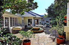 Holiday Apartments - Darling Villa