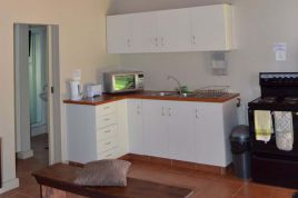 Holiday Apartments - Cedar Cottage 2