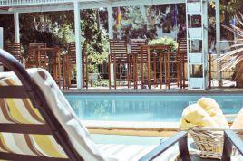 Oranjezicht Accommodation - Harrow House Apartment 16