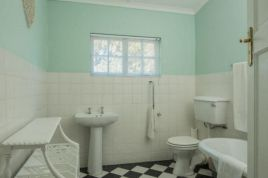 Hermanus Self Catering - Cottage 2