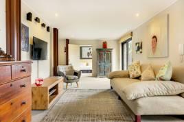 Holiday Apartments - 17 Geneva - Lower