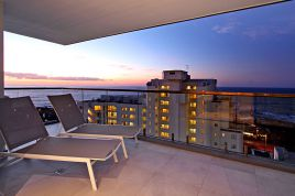 Sea Point Accommodation - Fairmont 1001