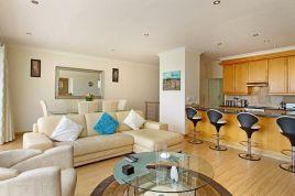 Holiday Apartments - Berkley Place