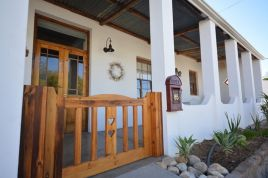 Holiday Apartments - Aloe Cottage