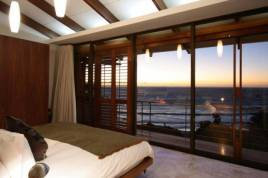 Cape Town Self Catering - Glen Beach Villa 2