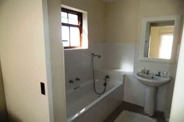 Hermanus Self Catering - HuiC@daC