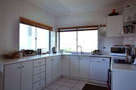 Fish Hoek Accommodation - Upper Family Apartment