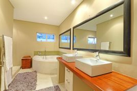 Sunset Beach Winter Accommodation - Cowrie Villa 5