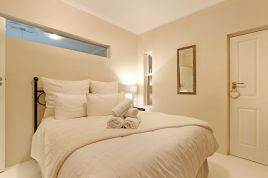 Sunset Beach Accommodation - Cowrie Villa 5