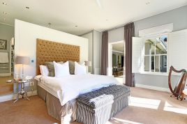 Constantia Accommodation - Shallcross Villa