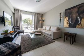 Green Point Accommodation - Doric 005