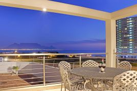Bloubergstrand Accommodation - Bayview 30