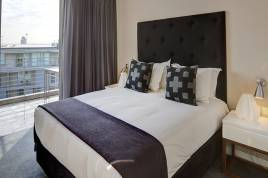 V&A Waterfront Accommodation - Harbour Bridge 2 Bed Standard