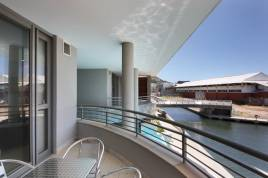 V&A Waterfront Accommodation - Canal Quays 2 Bed Executive