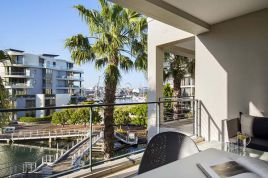 V&A Waterfront Accommodation - Gulmarn 205