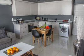 Green Point Accommodation - The Legacy 206