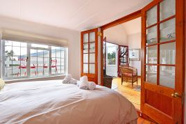 Simons Town Accommodation -  - Whalers Cottage
