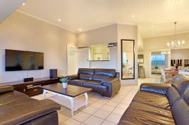 Blouberg Holiday Rentals - 8 Sir David Baird