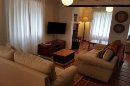 Holiday Apartments - HKP - Oak Cottage