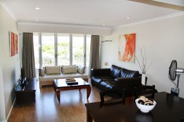 Holiday Apartments - Mouille Point Village Classic 2 Bed Apartment