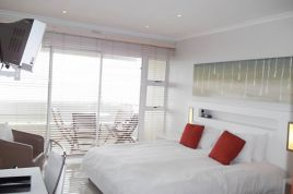 Mouille Point Accommodation - Mouille Point Village Classic 2 Bed Apartment