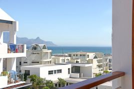 Accommodation in Cape Town - Azure 212