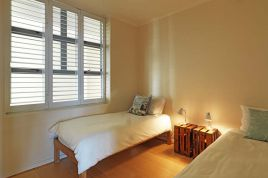 Muizenberg Accommodation - Surfers Corner - 2 Bedroom Sea Facing