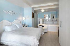 Muizenberg Accommodation - Surfers Corner - Penthouse