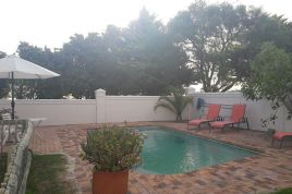 Holiday Apartments - Stanford Hills Estates Manor House
