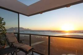 Holiday Apartments - Mellish Beach House
