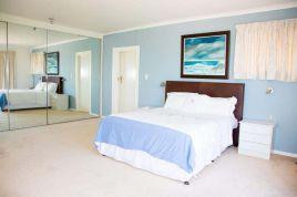Holiday Apartments - Dolphin Crest Villa