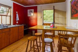 Garden Route Accommodation - Meurant Self-Catering Cottage