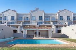 Holiday Apartments - B4 Century on Lake
