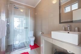 Holiday Apartments - 123 Diplomat