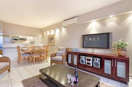 Holiday in Bloubergstrand - - Dolphin Beach H106