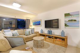 Bloubergstrand Accommodation - Azure 6