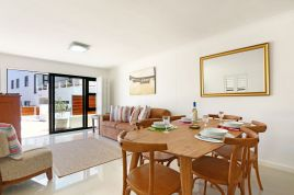 Holiday Apartments - Azure 4