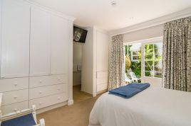 Holiday Apartments - Boulderwood Cottage