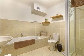 Cape Town Self Catering - Azure 24