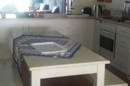 Hermanus Self Catering - Ocean Breeze