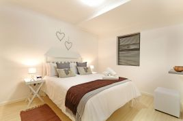 Cape Town Self Catering - Azure 11
