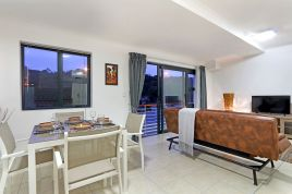 Holiday in Bloubergstrand - - Azure 11