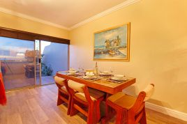 Accommodation in Cape Town - The Waves 4