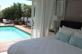 Holiday Apartments - White Waves Beach House