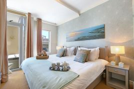 Holiday in Bloubergstrand - - Seaside Village L11