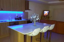 Holiday Apartments - Azure 21