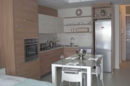 Holiday Apartments - ILLA Crystal Towers Studio Apartment
