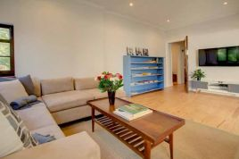 Holiday Apartments - Fifty6 Self Catering House
